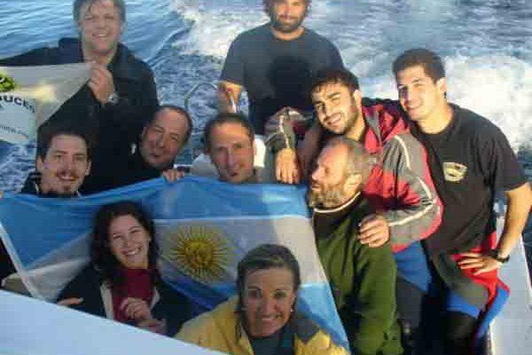 Grupo embarcado en el dia de la patria